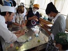 京都市立烏丸中学校でのお菓子教室