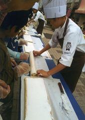 世界一長いロールケーキ作り