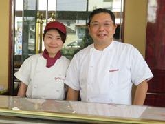 2代目社長の松田和也さん(右)