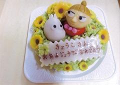 キャラクターを模したケーキ