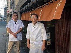 4代目郁太朗氏(右)と5代目慎太郎氏(左)