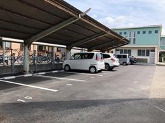 愛媛県菓業会館と月極駐車場